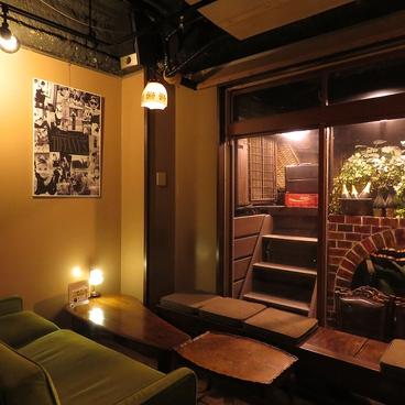 Cafe Bar HONEY8の雰囲気1