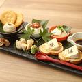料理メニュー写真日本酒に合うチーズ盛り合わせ