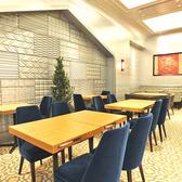 広々としたお席はカジュアルなお食事やちょっと一息のお集まりに最適です。※土日祝日は席のみ予約は承っておりません。