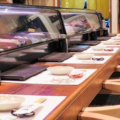 【カウンター席】目の前で握るお寿司は、新しい味わいとの出会いに幸せを感じ、喜んで頂ける。そんな一品に仕上がりました。お客様の多様なニーズにお応えすべく心を込めて調理・接客致します!何なりとお申し付けください。
