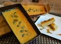 料理メニュー写真燻製屋のチーズケーキ キューブ型