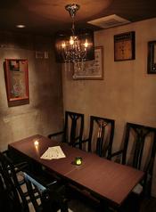 【仲間×テーブル席】テーブル席は最大7名様までご利用頂けます。人数が多い場合はご予約をオススメします。