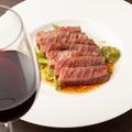 料理メニュー写真国産牛のステーキ(100g)