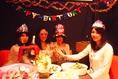 モダンな雰囲気のテーブルは、女子会や飲み会、お誕生日のお祝いなどに最適です!サプライズ対応も可能ですので、気軽にお問い合わせください!