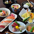 阪神沿線&尼崎市内で宴会なら「みなと」にお任せ!旬の香り華やぐ海鮮料理でお腹も心も満たされます。選べる多彩な鍋コースをご用意★ 「海鮮寄せ鍋」「もつ鍋」「豚しゃぶ」「鉄板鍋」「ダッカルビ鍋」から、ご予算とお好みでお選びください。全コース、鍋をメインに天ぷら、寿司も楽しめますよ。