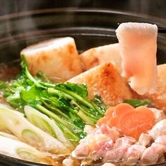 料理メニュー写真比内地鶏きりたんぽ鍋