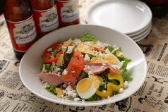 料理メニュー写真アメリカンコブサラダ