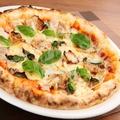 料理メニュー写真島豚とイタリアンバジルのピッツァ(M/約1人前)