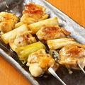 料理メニュー写真ジャンボとりもも串(しお・タレ)