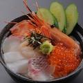 料理メニュー写真料理長厳選の海鮮丼