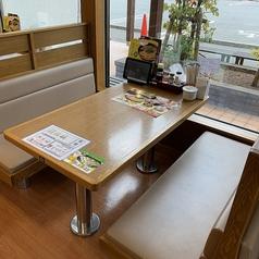 8番らーめん 小矢部店の雰囲気1