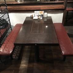 3~6名様用のベンチ席