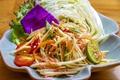 料理メニュー写真青パパイヤのソムタム「ソムタム・タイ」