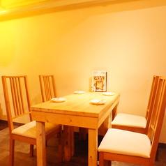 プライベートな宴会利用にピッタリなテーブル席。