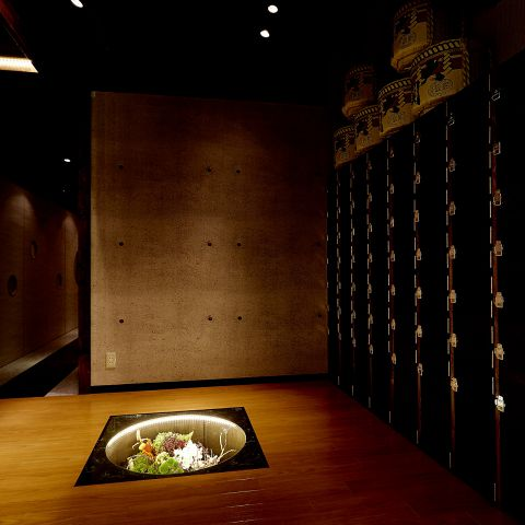 雰囲気抜群の完全 個室 の数々。個室は全て掘りごたつ完全個室となっています。 江坂 での デート や 接待 、 歓送迎会 、 女子会 などにもご利用いただけます。