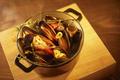 料理メニュー写真厚岸産ムール貝の白ワイン蒸し Steamed Mussels with Fisherman`s Style
