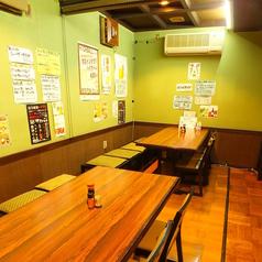 半個室もございます!忘年会、歓送迎会にいかがでしょうか?少人数から大人数まで人数に応じてお席を作りますので、お気軽にご連絡ください◎お酒は豊富にご用意!日本酒・焼酎・揃えております!生絞りサワー・カクテルと低アルコールもありますので、お酒の苦手な方も安心してください!!