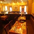 1~4名までのテーブル席を中心に最大35名までの宴会にも対応。