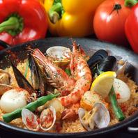 海の幸、山の幸を1皿で味わえる!パエリアが人気のバル