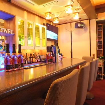 Bar jewel 大久保 amusement Cafeの雰囲気1