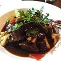 料理メニュー写真牛ほほ肉の赤ワイン煮込み