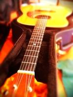 お好きな曲をギターで…