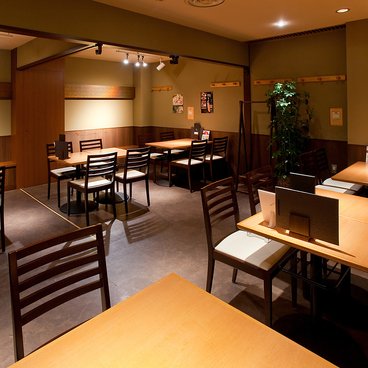 香鶏酒房 鳥八 日本橋店の雰囲気1