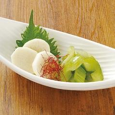 梅しそ塩キャベツ/長芋とセロリの浅漬け
