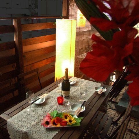 オシャレな照明で隠れ家的ガーデン居酒屋