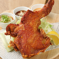 名物!旨唐揚げ 菜・彩・鶏の『皇帝ザンギ』