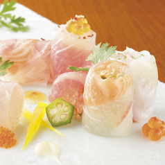 鮮魚の薄造り 生春巻き仕立て