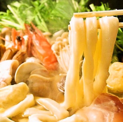 こしのある太麺が食べごたえあります!! 名代うどんすき 一人前1,280円!!