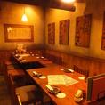 【10名様半個室】居酒屋 博多道場こだわりの餃子は「餃子walker」の「東京の激うま餃子」にも選ばれた逸品!一つ一つ丁寧に手包みし香ばしく焼き上げてます。開発に一年かけた屋台棒餃子や、焼き餃子、水餃子、ご当地餃子など様々な餃子をご用意しておりますので、是非ご賞味ください!