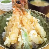 揚げたての絶品天ぷらを…。