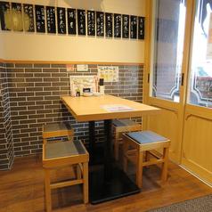 テーブル席◇2名様×6席◇4名様×1席※写真はイメージです(大阪府高槻店)