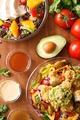 料理メニュー写真カスタムサラダ★チキン、トッピング、ドレッシングを組み合わせてお好みの味を見つけてください♪