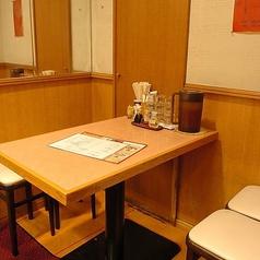 女子会などぴったりの4名テーブル席