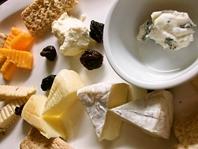 ワイン×チーズ盛り合わせ