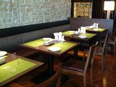 2人席では対面でゆっくりとお料理をお愉しみください。