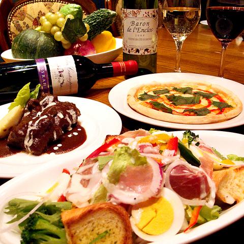 創作洋食を県内最多の品揃えのワインとともに…。首里の「スエヨシ亭」。