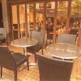 昼夜問わず大人気のテラス席☆テラス席はワンちゃんとのご利用OK!お食事やカフェタイムをゆったりとお過ごしください♪