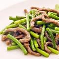 料理メニュー写真牛肉とニンニクの芽炒め / 細切り牛肉の甘味噌炒め