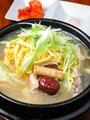 料理メニュー写真サムゲタン(国産若鶏使用・自家製のため、ご予約お願いします)