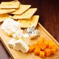 料理メニュー写真おすすめチーズ盛り合わせ