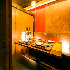 【4名様用個室】足を伸ばせる広々扉付き完全個室。接待や女子会に最適です。