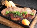 料理メニュー写真網焼きサーロインステーキ