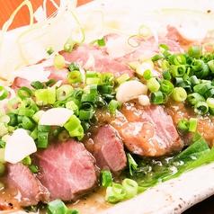 料理メニュー写真馬刺しの葱だくカルパッチョ