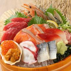 たっぷり海鮮尽くし!!名物『海鮮市場盛り』