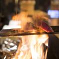 豪快な炎を見ながら藁焼きを楽しめる『わら焼き小屋居酒屋 た藁や』♪