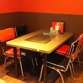 4名様掛けテーブル席■新店ですので清潔感たっぷり